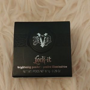 💖NWT KDV Lock It Brightening Powder